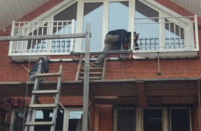 Монтаж металлического балкона в Химках